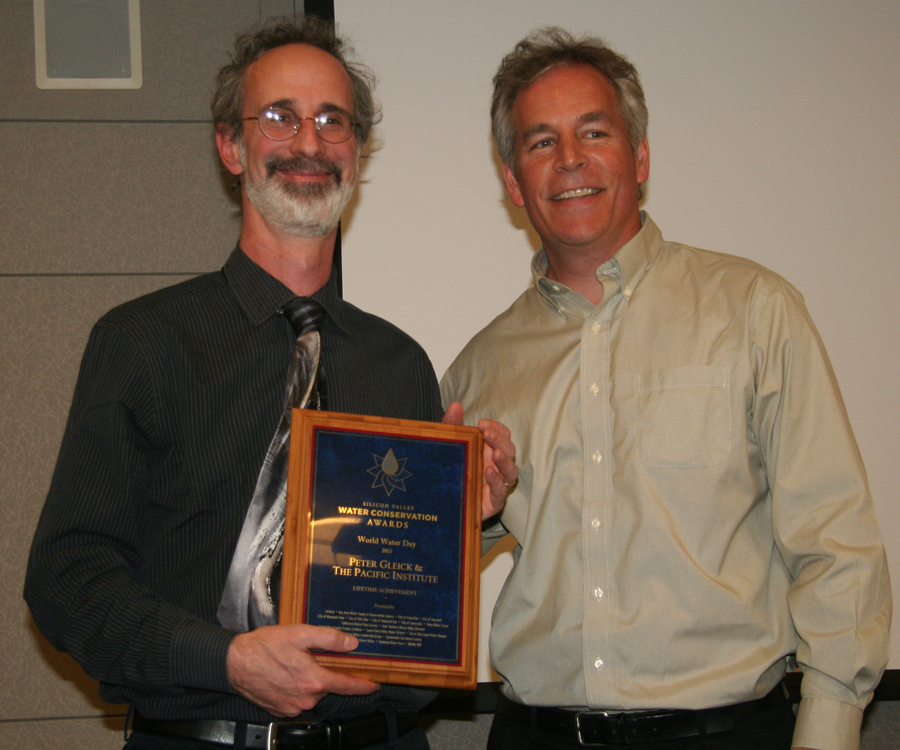 Dr. Peter Gleick, left, with presenter Peter Drekmeier